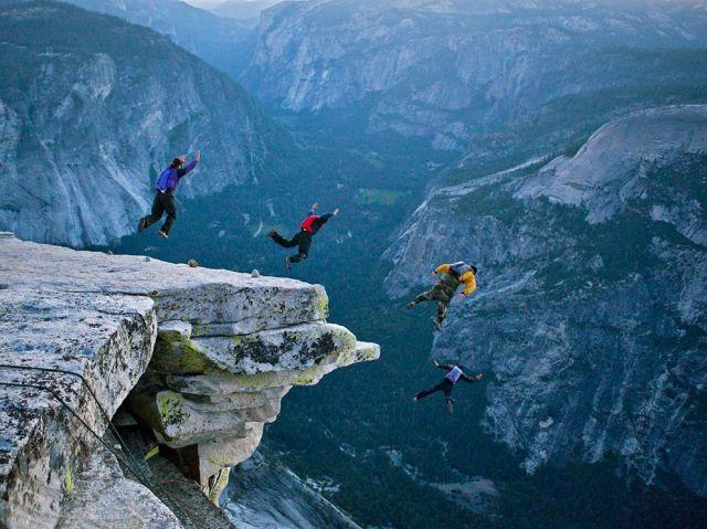 base-jumping-yosemite_35060_990x742