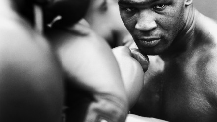 white_gloves_stare_boxing_mike_tyson_knockout_m20457