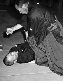 Sankyoku Isezaki Araki-ryu, circa 1954 - photo courtesy of Hal Sharp