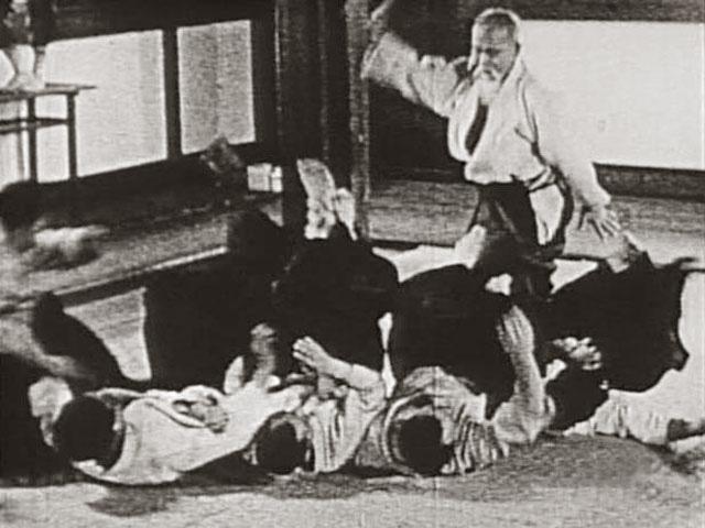 morihei-ueshiba-os02-posture1